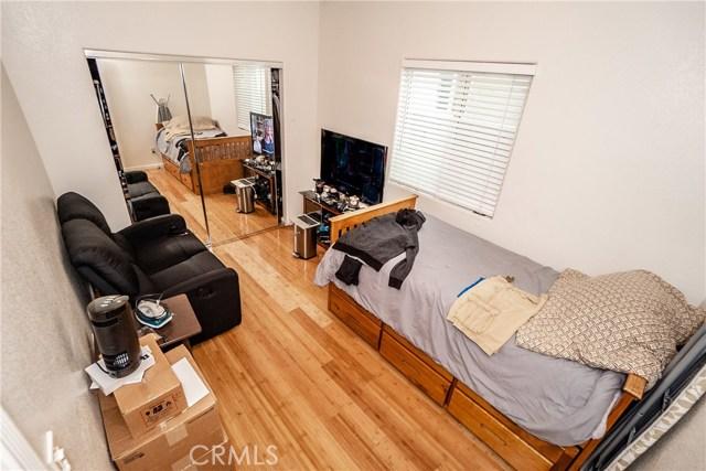 8631 Grape Street, Los Angeles CA: http://media.crmls.org/medias/61e621e3-e4b3-4e96-a18c-44c29b19058c.jpg