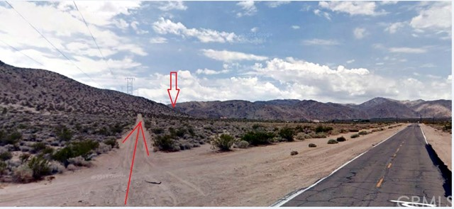 Additional photo for property listing at 30600 Cove Road  Lucerne Valley, California 92356 United States