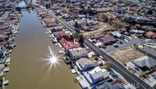 13745 Spring Valley, Victorville CA: http://media.crmls.org/medias/62080f3d-2fe9-495c-b52b-ee6e3eee2711.jpg