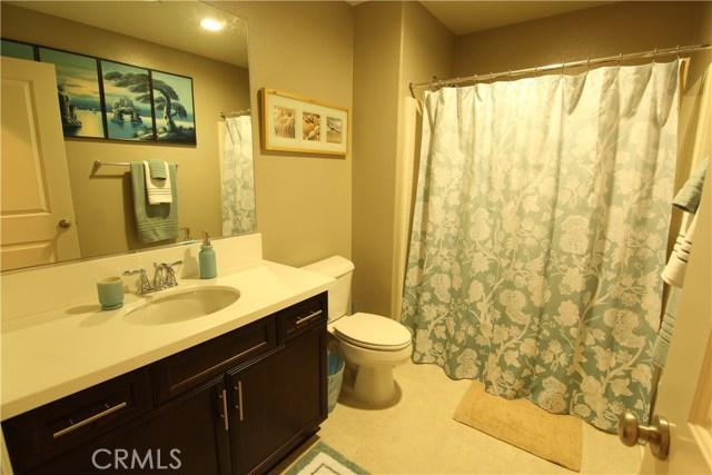 29453 Breezeway Ct (Heritage Lake), Menifee CA: http://media.crmls.org/medias/620b8dde-62a7-4a9c-950d-191bc4474034.jpg