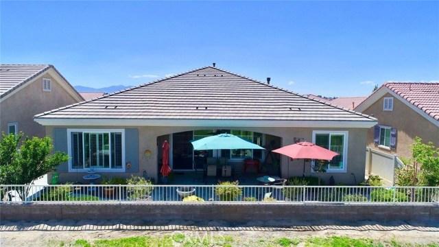 10357 Darby Road, Apple Valley CA: http://media.crmls.org/medias/62236390-afb0-449c-8547-d2542f275745.jpg