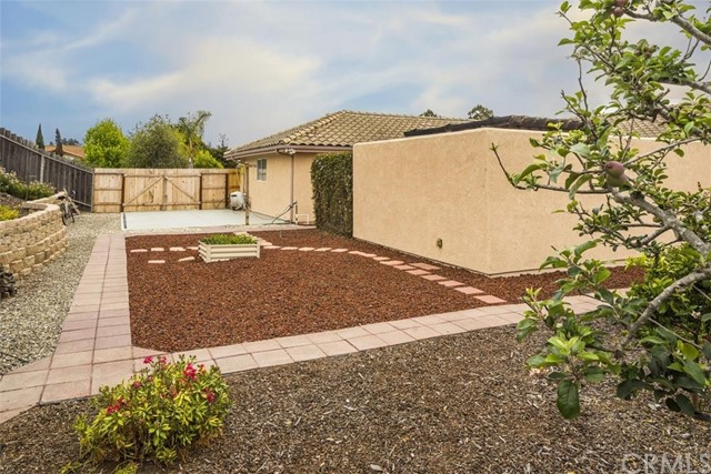 580 Spanish Trail, Arroyo Grande CA: http://media.crmls.org/medias/6223ee02-ff54-4feb-8df6-35819578290a.jpg