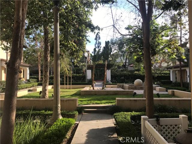29 Flowerbud, Irvine CA: http://media.crmls.org/medias/6227fc0a-2c11-4440-9076-776e78c63ce1.jpg