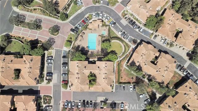 87 Waxwing Lane, Aliso Viejo CA: http://media.crmls.org/medias/622826de-6ae3-47a0-9d1a-3d7f1865ca70.jpg