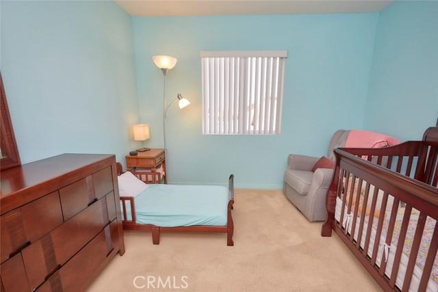 8443 Fillmore Court, Oak Hills CA: http://media.crmls.org/medias/622cc859-4784-4490-9bf8-d17b30ffbdd1.jpg