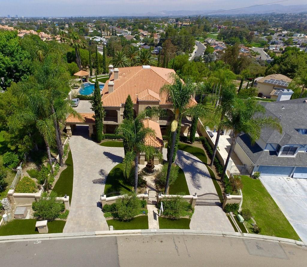25801 NELLIE GAIL Road Laguna Hills, CA 92653