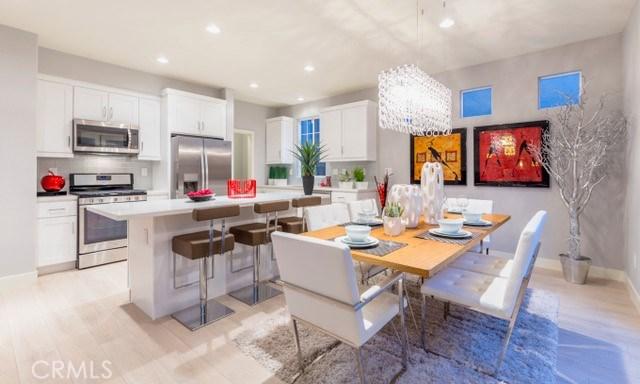 Casa Unifamiliar por un Venta en 17536 Nutwood Drive Carson, California 90746 Estados Unidos