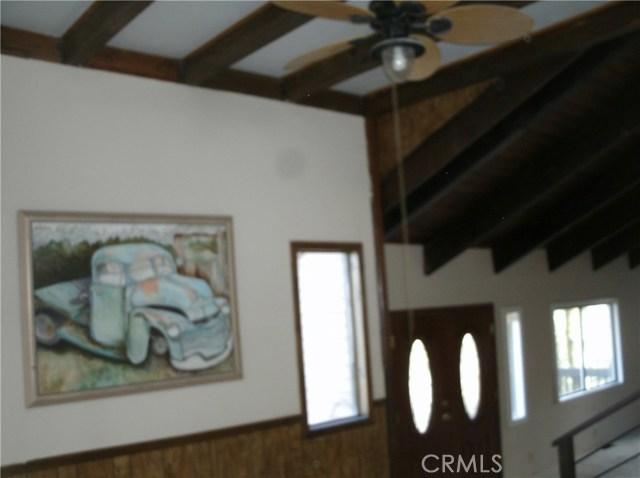 583 Arbula Drive, Crestline CA: http://media.crmls.org/medias/625a4596-9573-467d-a33f-957a1b6d89fd.jpg
