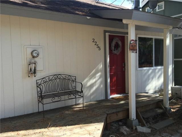 Casa Unifamiliar por un Venta en 2255 Keater Drive Arrowbear Lake, California 92314 Estados Unidos