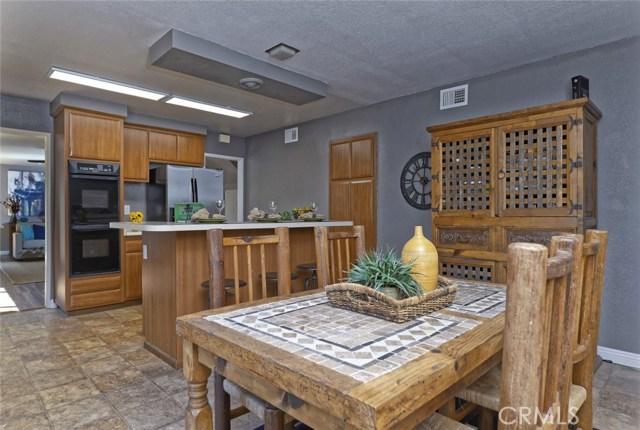 332 Buttonwood Drive, Brea CA: http://media.crmls.org/medias/6266ab47-a6d1-444d-b429-a4dec4e240b3.jpg