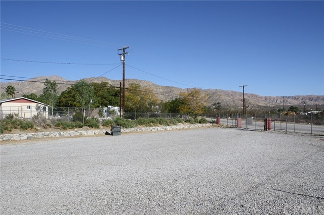 49896 29 PALMS Highway, Morongo Valley CA: http://media.crmls.org/medias/6281e392-3aa6-4321-83cf-737ad34cbe4b.jpg