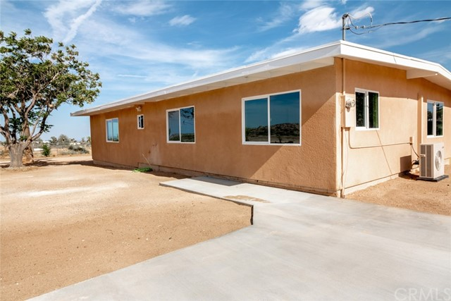 57330 Old Haggard Road, Yucca Valley CA: http://media.crmls.org/medias/629e1d3b-23ae-4730-94ad-9ad4e7117983.jpg
