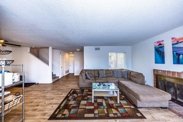 3447 W Park Balboa Avenue, Orange CA: http://media.crmls.org/medias/629ecf97-c9b4-48d3-8e64-225d40e6b56d.jpg