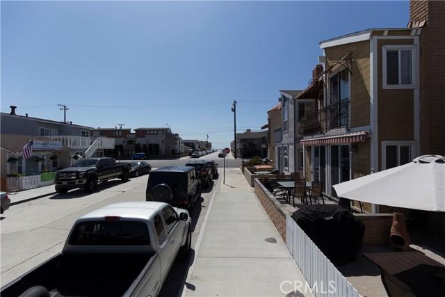 215 29th Street, Newport Beach CA: http://media.crmls.org/medias/629fabe8-46f7-49d5-9b08-8f5a1e6d56ba.jpg
