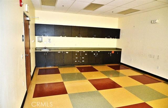 22515 Alessandro Boulevard, Moreno Valley CA: http://media.crmls.org/medias/62a94715-3e70-4413-bd8f-9e8758670b20.jpg