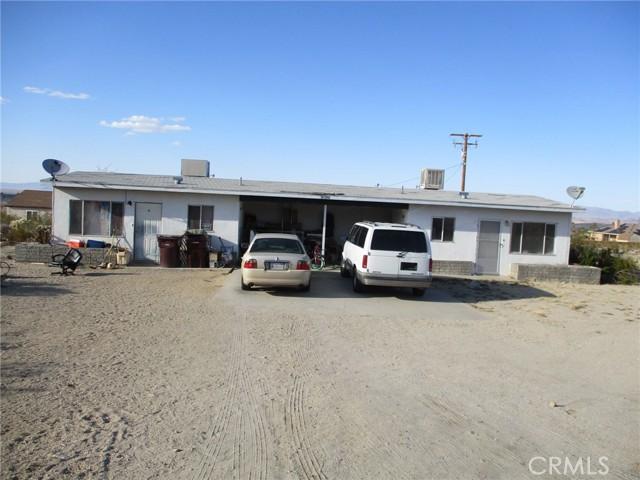 74622 A & B Sunrise Drive, 29 Palms CA: http://media.crmls.org/medias/62aaa418-611f-41ab-b083-32a0fcf9487c.jpg