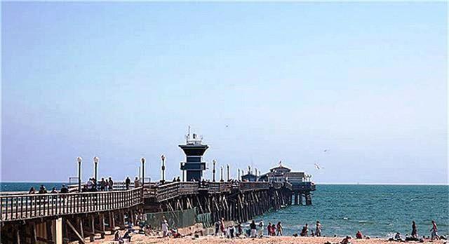 325 Clipper Way, Seal Beach CA: http://media.crmls.org/medias/62ba6dc6-2e25-4368-af62-b74eb51c9b47.jpg
