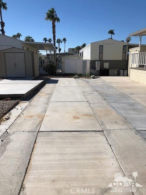 84250 Indio Springs Drive, Indio CA: http://media.crmls.org/medias/62c2aeaa-50d4-40cd-8f45-915e88fa0c08.jpg