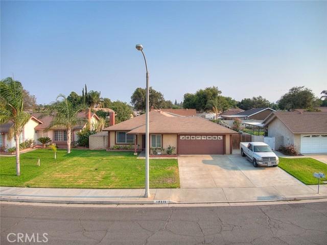 10078 Julian Drive, Riverside CA: http://media.crmls.org/medias/62c81c25-5b7d-4073-afa0-da88ea215ebf.jpg