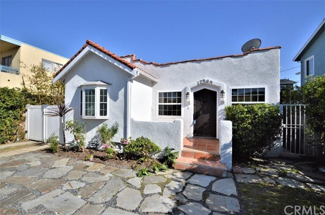 12464 Gilmore Ave, Los Angeles, CA 90066