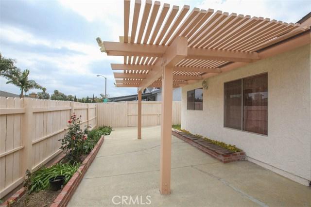 370 Portola Avenue, La Habra CA: http://media.crmls.org/medias/62ea993c-bb24-4bdc-8739-7cd45bb6d561.jpg