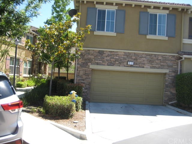 30505 Canyon Hills Road, Lake Elsinore CA: http://media.crmls.org/medias/6308138f-72d1-45ac-b06f-73195ff0cc15.jpg