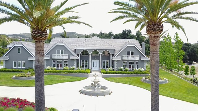 Single Family Home for Sale at 37954 Calle De Lobo Murrieta, California 92562 United States