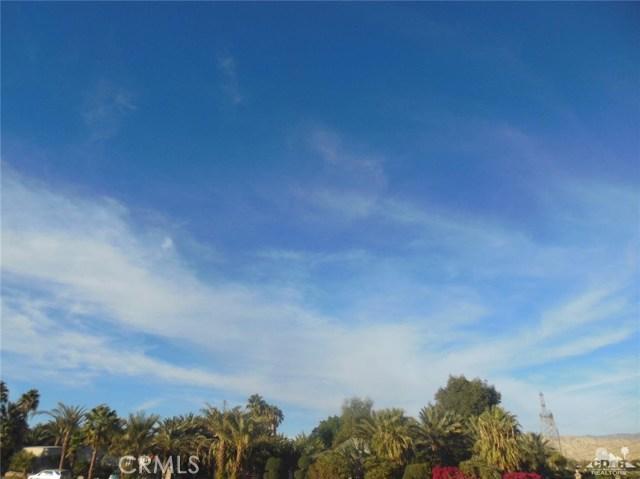 30075 Desert Moon Drive, Thousand Palms CA: http://media.crmls.org/medias/6311928c-634b-4766-8e13-70138189348a.jpg