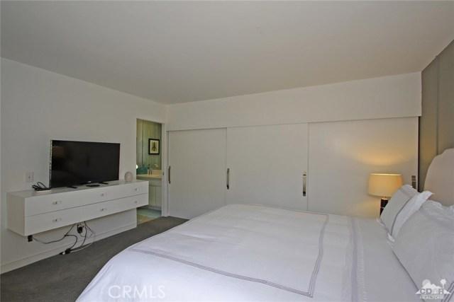 34868 Mission Hills Drive, Rancho Mirage CA: http://media.crmls.org/medias/632b60a9-5099-4369-80c2-b7e5aa880d77.jpg