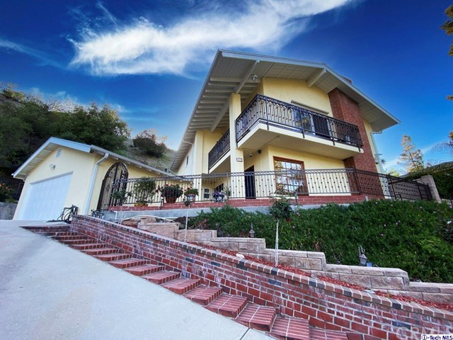 1524 Colina Drive, Glendale CA: http://media.crmls.org/medias/633b64a6-f6ca-4748-ba20-4239e0103466.jpg