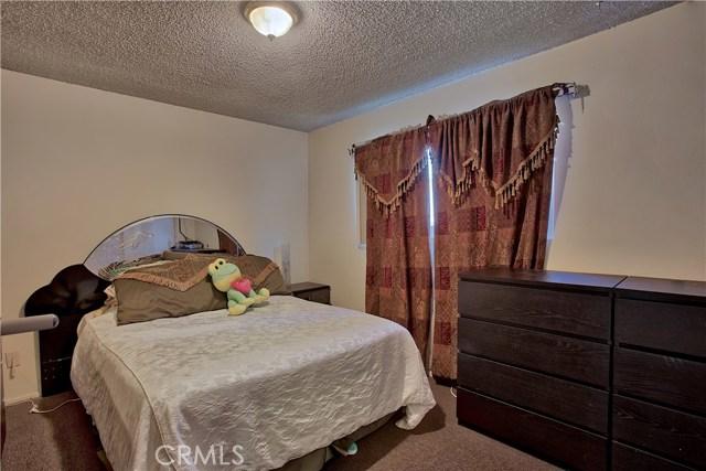 2077 Wallace Avenue, Costa Mesa CA: http://media.crmls.org/medias/633ec8ba-1226-4aa7-9d39-c0f3d2e16bb5.jpg