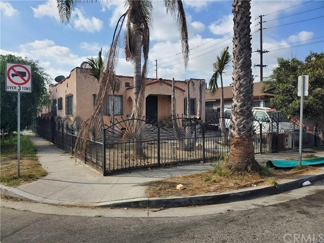 1222 E 92nd Street, Los Angeles CA: http://media.crmls.org/medias/634a29cd-c21e-4ceb-a611-9c845a6a5160.jpg