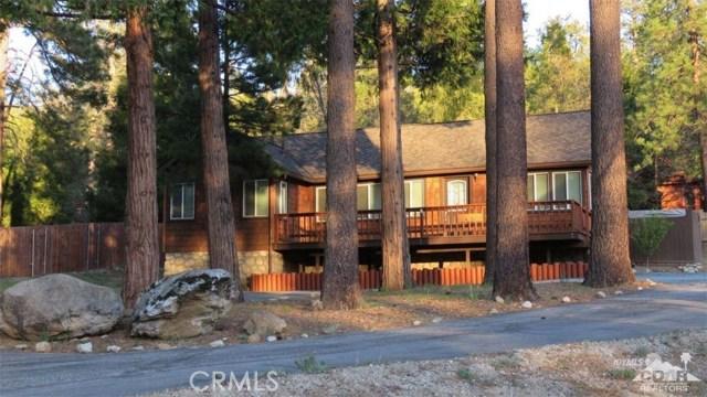 54085 Circle Drive, Idyllwild CA: http://media.crmls.org/medias/634cbafc-81db-457a-b612-95f7da76b90a.jpg