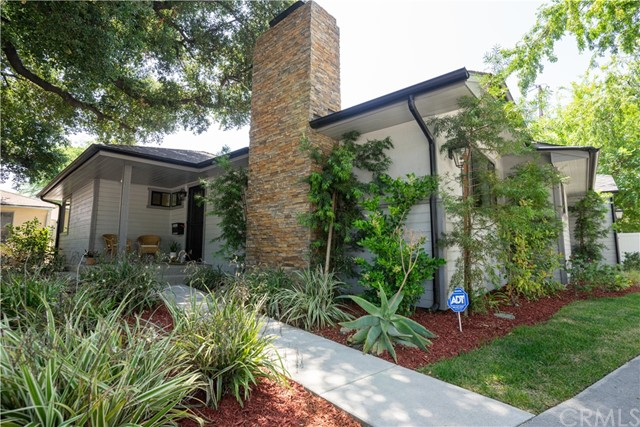 2920 Estado Street, Pasadena CA: http://media.crmls.org/medias/6363f3b8-37b6-47dd-8b2c-afc4bf83cf7e.jpg