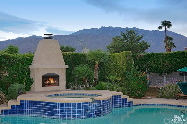 Photo of home for sale at 1463 Gem Circle, Palm Springs CA