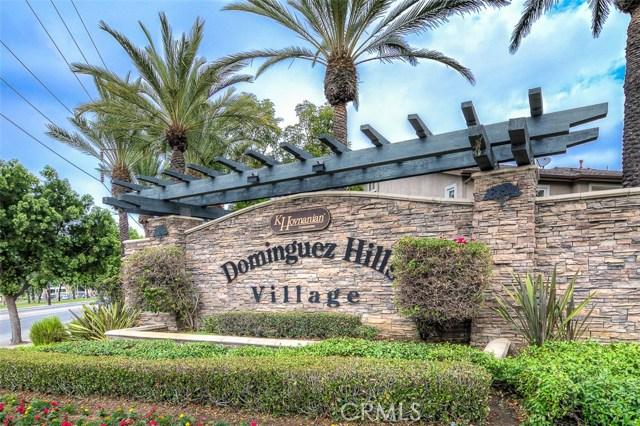 独户住宅 为 销售 在 17544 Nutwood Drive 卡尔森, 加利福尼亚州 90746 美国
