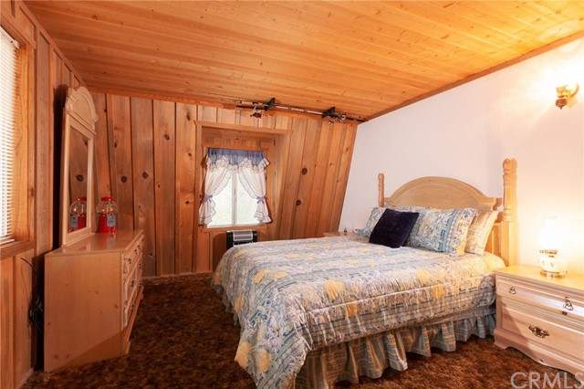437 Gold Mountain Drive, Big Bear CA: http://media.crmls.org/medias/638b5489-690e-46c5-b085-b822cabeb3ac.jpg