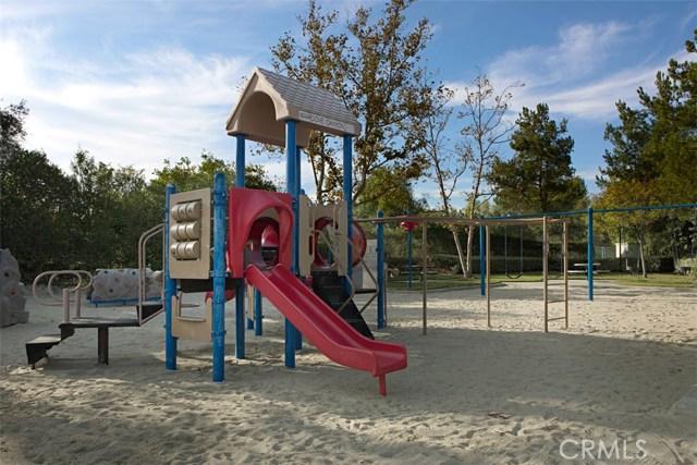 32 Barneburg, Rancho Santa Margarita CA: http://media.crmls.org/medias/63b6b958-2c9b-4965-9fd7-9b00f6ef60a9.jpg