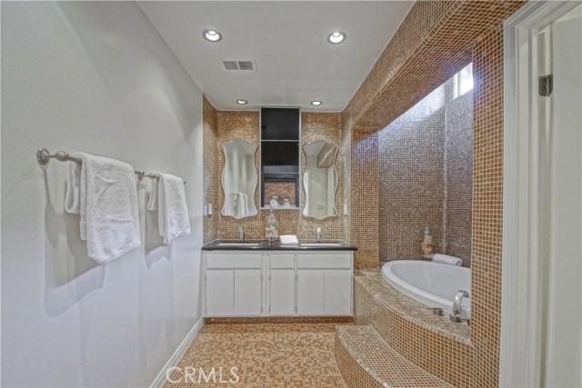 12 Cayman Court Manhattan Beach, CA 90266 - MLS #: SB18191075