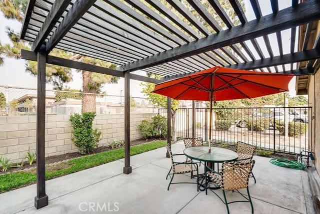 932 S Laurelwood Ln, Anaheim, CA 92806 Photo 5