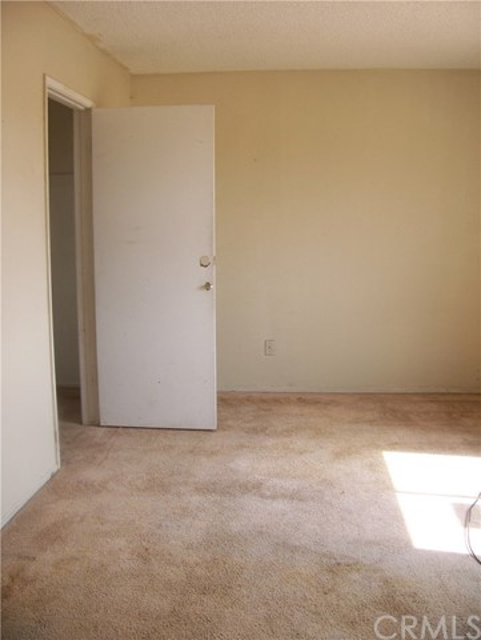 12499 Cypress Avenue Victorville CA 92395