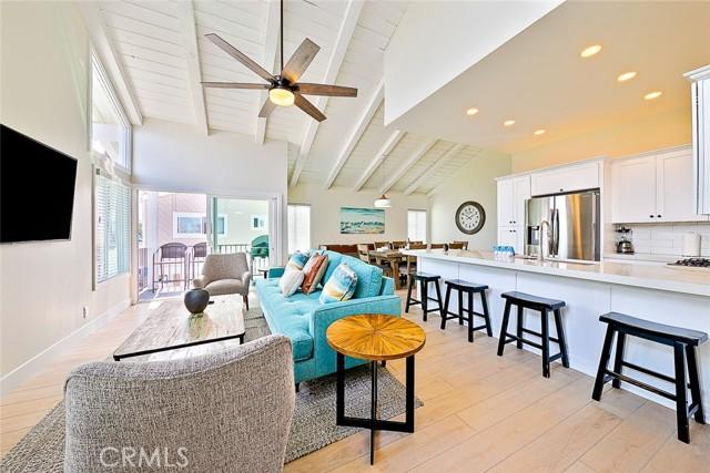 2711 Balboa Boulevard, Newport Beach, California 92663, ,Residential Income,For Sale,Balboa,NP21094610