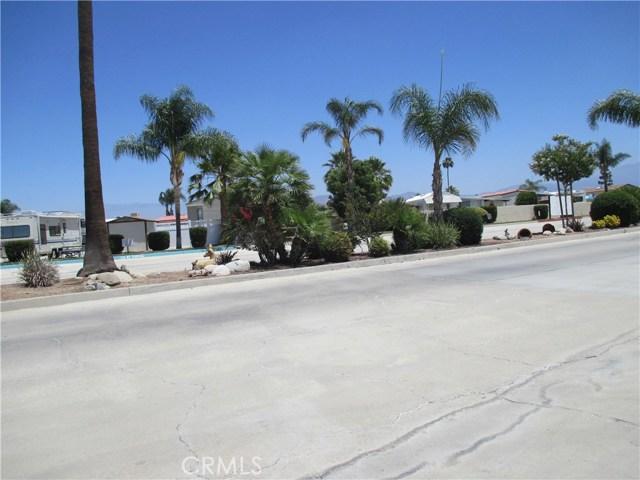 1295 S Cawston Avenue, Hemet CA: http://media.crmls.org/medias/63edc5f2-a510-428c-98e0-e7f3e2b55bf1.jpg