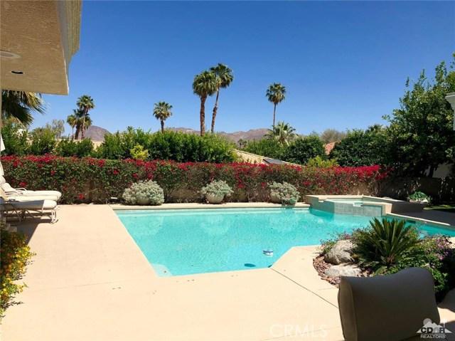 48870 View Drive, Palm Desert CA: http://media.crmls.org/medias/63ef7490-ee15-43a8-8ca6-0af7c3c7c65f.jpg