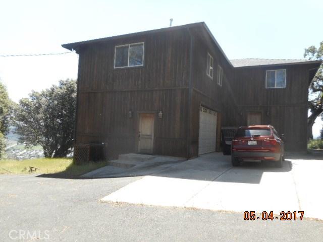Casa Unifamiliar por un Venta en 12471 Cerrito Drive Clearlake Oaks, California 95423 Estados Unidos