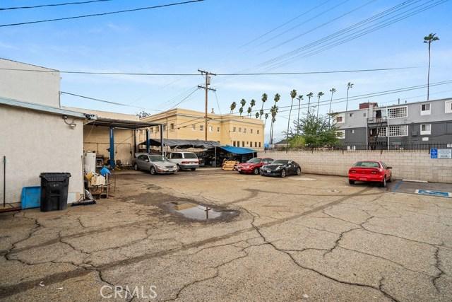 290 W Holt Avenue, Pomona CA: http://media.crmls.org/medias/63ffc07e-7d69-4adb-a219-f940aad8fa34.jpg