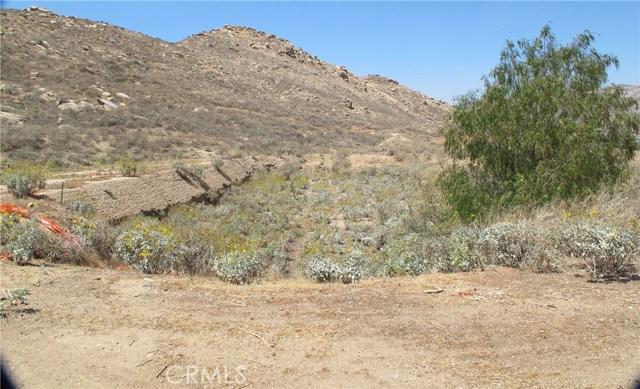 11275 Eagle Rock Road, Moreno Valley CA: http://media.crmls.org/medias/6403765d-59c3-40e4-86b4-a25a5ce74ccd.jpg