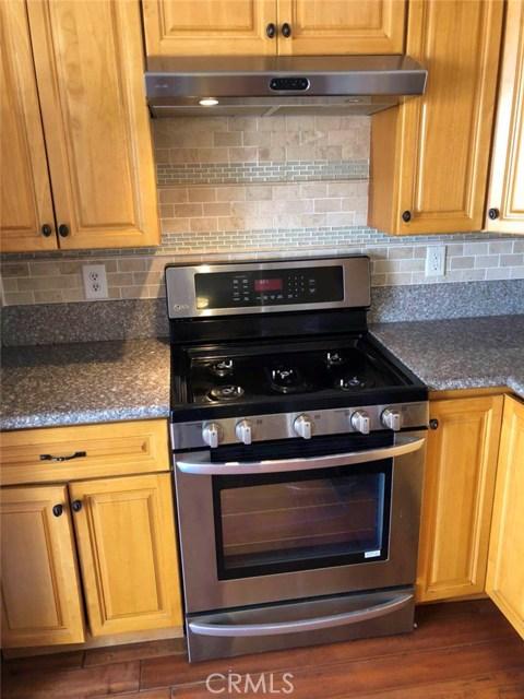 2700 Arlington Avenue, Torrance CA: http://media.crmls.org/medias/6404d091-b1e4-4474-bcfb-7df75ae6fb14.jpg