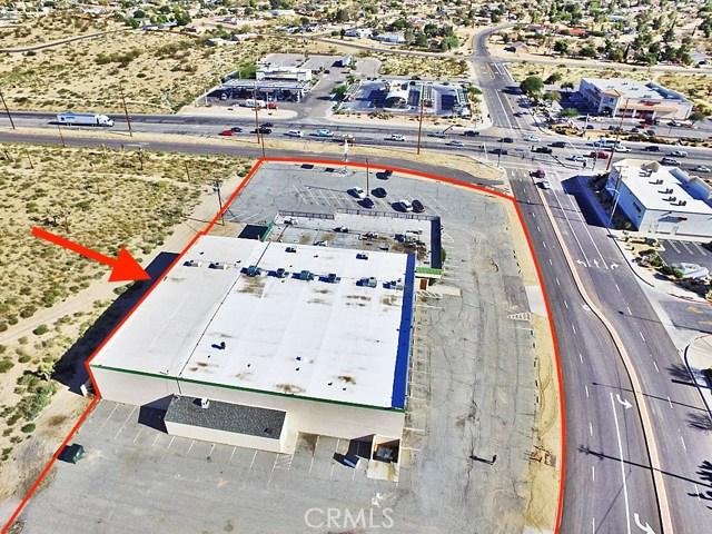 零售 为 销售 在 58146 Twentynine Palms Highway Yucca Valley, 92284 美国