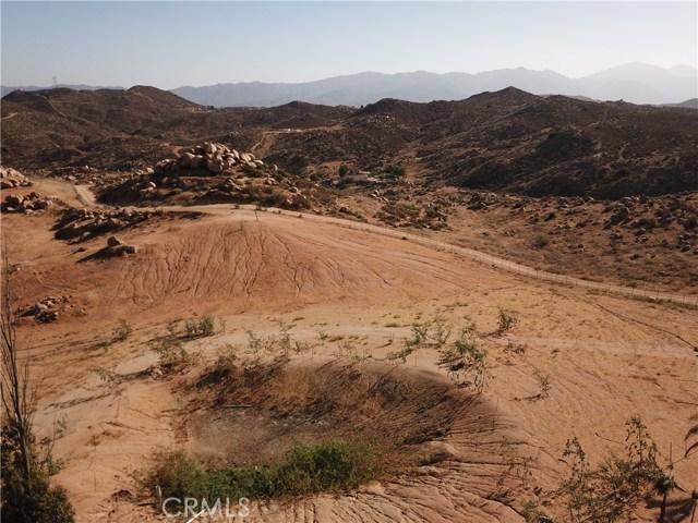 25050 El Toro Road, Perris CA: http://media.crmls.org/medias/64116858-a74a-4c71-8b00-225148ebb586.jpg